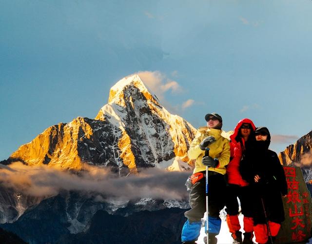 入门级雪山攀登 四姑娘山二峰